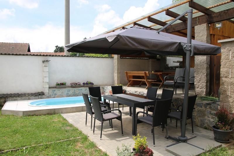zahrada a nový bazén